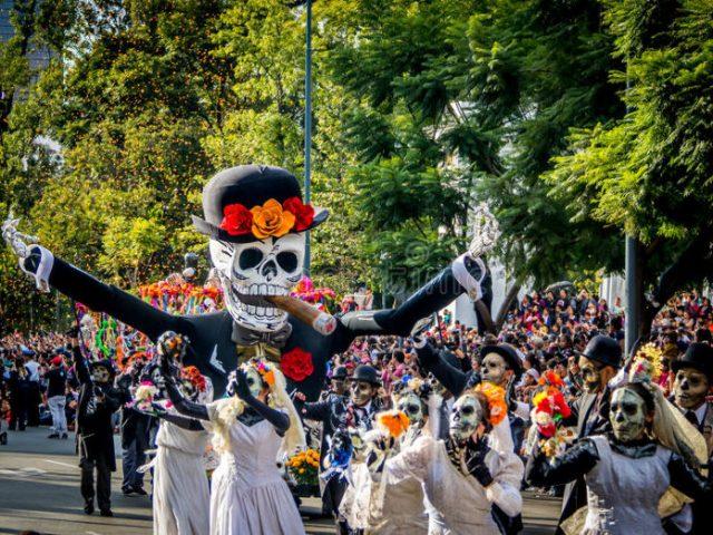 Día de Muertos: menari dengan orang mati di Meksiko